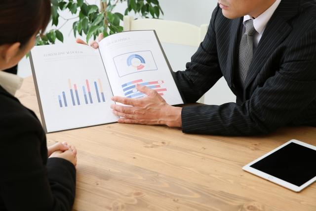 301621_s 地銀・信金からの転職先と成功事例!現場で働く社員の評価を紹介します