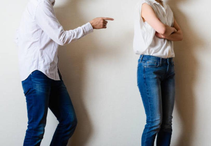 2021-02-14_13h42_44 地方銀行で社内恋愛すると会話が仕事の話になりがちなので要注意!