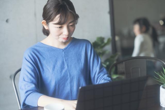 138087_s 地方銀行の将来性に不安を感じ30代前半で保険会社に転職した女性の成功事例